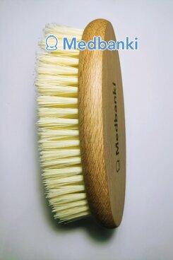 Щетка овальная из искусcтвенного волокна 7*15 см, Бук